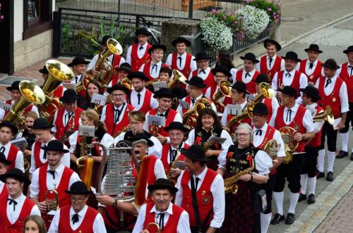 Gemeinsamer Umzug mit dem Musikverein Bernau bei der 750 Jahr Feier in Todtmoos, Foto: Manfred Schön